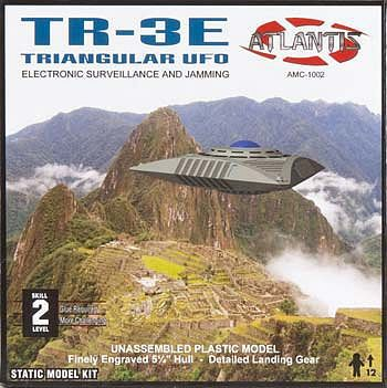 Atlantis Model Company TR-3 Triangular UFO -- Plastic Model Space Craft Kit -- 1/72 Scale -- #amc-1002