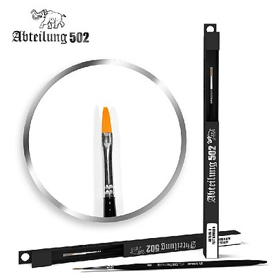 Abteilung Size 8 Synthetic Flat Brush