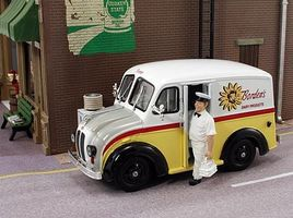 American-Heritage O Divco 1950 Delivery Truck- Bordens Dairy Products w/Milkman