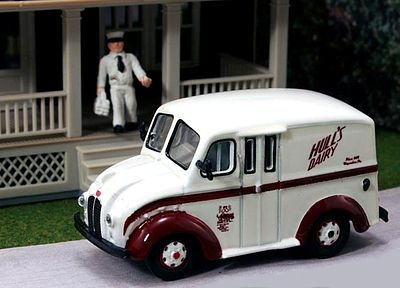 American Heritage Car Co. 1950 Delivery Truck- Hull's Dairy Products w/Milkman -- HO Scale Model Railroad Vehicle -- #87009