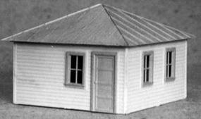 AM Williamsburg Bunkhouse HO Scale Model Railroad Building #109