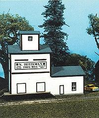 American Model Builders Hitzeman Feed Mill -- HO Scale Model Railroad Building -- #117