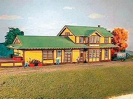 American-Models Southern Pacific Type 22 Depot Kit HO Scale Model Railroad Building #134