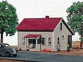 American-Models 1-1/2 Story House w/Porch - 139 Maple Street Kit HO Scale Model Railroad Building #139