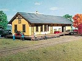 American-Models New Freedom Pennsylvania Railroad Depot Kit HO Scale Model Railroad Building #141