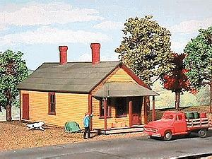 American-Models One Story Section House Kit 4-1/2 x 10-1/4 x 4-1/4 O Scale Model Railraod Building #481