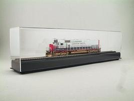 American-Plastics 18''long x 5''high x 3'' wide HO Scale Model Train Display Case #ad50