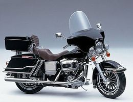 Aoshima FLH Electra Glide Plastic Model Motorcycle Kit 1/12 Scale #04807