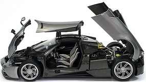 Aoshima 1/24 Pagani Huayra Italian 2-Door Sports Car (New Tool)