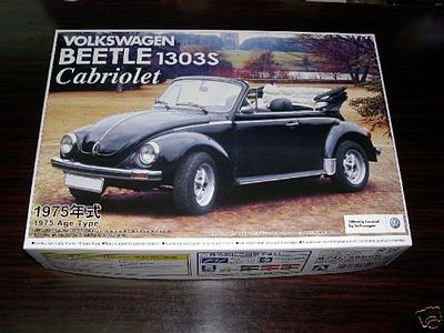 Aoshima 1975 VW Beetle Model 1303S Convertible -- Plastic Model Car Kit -- 1/24 Scale -- #47798