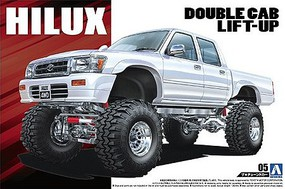 Aoshima 1/24 1994 Toyota Hilux Double Cab Lift-Up 4WD Pickup Truck
