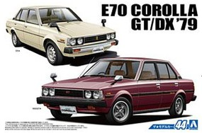 Aoshima 1979 Toyota E70 Corolla GT/DX 4-Door Car Plastic Model Car Kit 1/24 Scale #53454