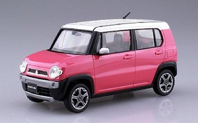 Aoshima 1/32 Suzuki Hustler Car (Snap Molded in Pink Metallic)