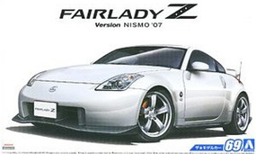 Aoshima 2007 Nissan Z33 Fairlady Z Version Nismo Car Plastic Model Car Kit 1/24 Scale #55229