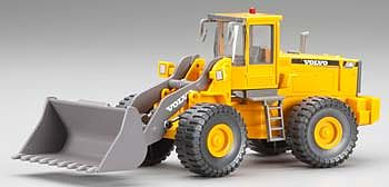 Atlas-O Volvo Bulldozer L150C -- O Scale Model Railroad Vehicle -- #820008