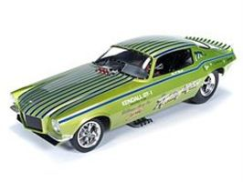 AutoWorldDiecast 1971 Chevy Camaro Fighting Iris Diecast Model Car 1/18 Scale #1121