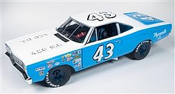 Auto World Diecast 1968 Plymouth Road Runner Petty -- Diecast Model Car -- 1/18 Scale -- #210