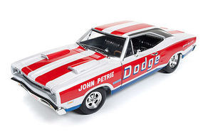 AutoWorldDiecast 1969 Coronet Super Bee Diecast Model Car 1/18 Scale #222