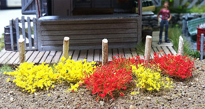 Bachmann 6mm Tufts Yellow/Red (100) -- Model Railroad Scenery Grass -- #31034