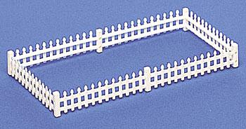 Bachmann Picket Fence (24) -- HO Scale Model Railroad Building Accessory -- #42100