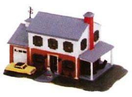 Bachmann Two Story House Built-Up N Scale Model Railroad Building #45813