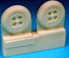 Barracuda British 4-Slot 32'' Block Tread Tires (Resin) Plastic Model Aircraft Accessory 1/72 #72222