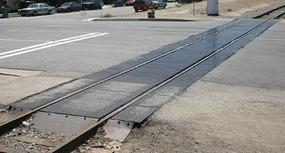 BLMS Grade Crossing Rubber Style 2 Lane N Scale Model Railroad Road Accessory #77