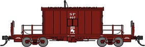 Bluford Short-Roof Transfer Caboose - Ready to Run Southern Pacific #907 (Boxcar Red, Safety Is More Than Knowing Slogan) - N-Scale