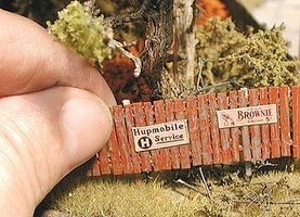 Insta-Fence - Kit - Approximately 200 Scale Feet N Scale Model Railroad Building Accessory #41