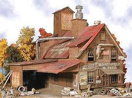 Bar-Mills Majestic Hardware - Kit HO Scale Model Railroad Building #942