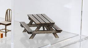 Banta O Picnic Tables