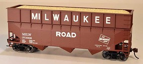 Bowser HO 70-Ton Offset 3-Bay Wood Chip Hopper w/Ribbed Extension Milwaukee Road #372006
