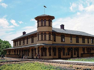 Branchline Trains Canaan Union Station Laser Art Kit (22 x 20 x 7'') -- HO Scale Model Railroad Building -- #659