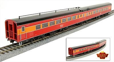 Broadway Limited Imports SP Coast Daylight Train #99 Articulated Chair Car -- HO Scale Model Train Passenger Car -- #1578