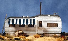 BTS Juniors Shiner (Old-Style Trailer Home) HO Scale Model Railroad Building #27405