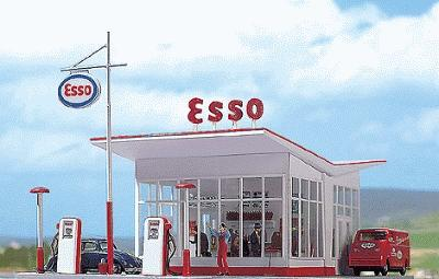 Busch Gmbh 1950s ESSO Gas Station - Kit -- HO Scale Model Railroad Building -- #1005