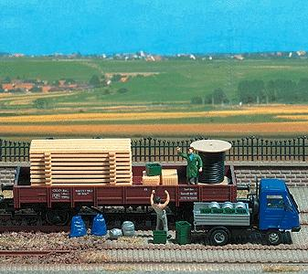 Busch Assorted Freight Loads - Pallets, Crates, Barrels HO Scale Model Train Freight Car Load #1132