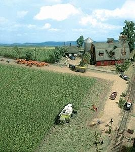 Busch Gmbh Corn Field - Kit - 10 x 10cm -- HO-Scale Model Railroad Grass Earth -- #1202
