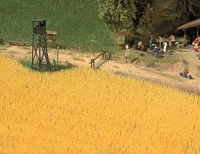 Busch Gmbh Wheat Field - Kit -- HO Scale Model Railroad Grass Earth -- #1204