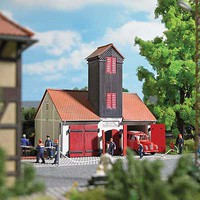 Busch Jonaswalde Firehouse Laser-Cut Wood Kit - 4-1/16 x 2-7/8 x 4-1/16 10.3 x 7.3 x 10.4cm