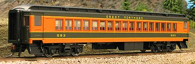 Con-Cor Heavyweight 65 Branchline Coach Great Northern HO Scale Model Train Passenger Car #94210