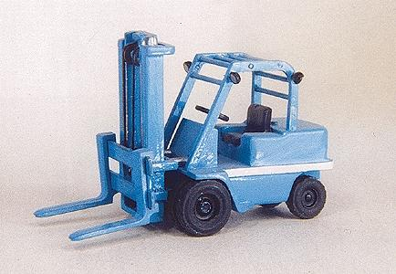 Custom Finishing 5 Ton Shop fork lift - HO-Scale