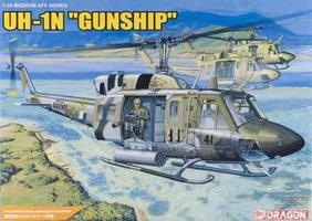 DML UH-1N Gunship Plastic Model Helicopter 1/35 Scale #3540