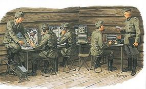 DML German Communication Center w/Signal Troops Plastic Model Military Figure Kit 1/35 #3826