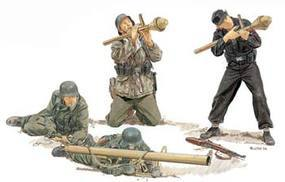 DML Eastern Front Hunters Gen2 Plastic Model Military Figure 1/35 Scale #6279