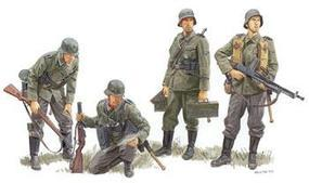 DML German Regiment France 1940 (4) Plastic Model Military Figure Kit 1/35 Scale #6281