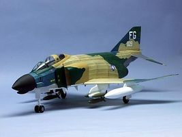 Dumas F-4D PHANTOM STATIC MODEL