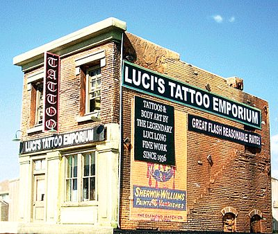 Downtown Deco Luci's Tattoo Emporium Kit -- HO Scale Model Railroad Building -- #1050