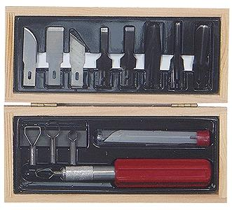 Excel Woodworking Tool Set (5 gouges, 4 routers, handle & 6 blades) in Wooden Box