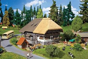 Faller Black Forest Farm Straw Roof HO Scale Model Railroad Building #130534